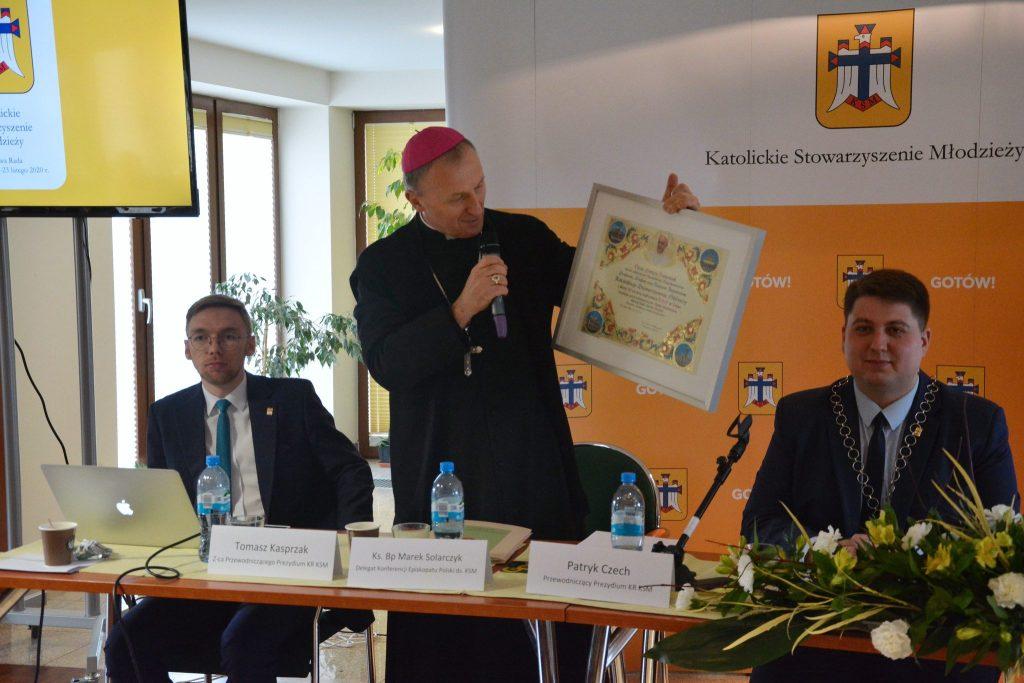 Delegat KEP ds.KSM bpMarek Solarczyk zpozdrowieniami odPapieża Franciszka wzwiązku z30-leciem Katolickiego Stowarzyszenia Młodzieży